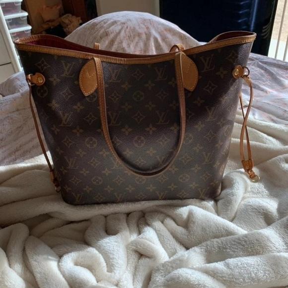 Louis Vuitton Handbags - Louis Vuitton neverfull mm